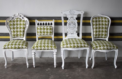 mismatched-dining-chairs-from-LikeThatOnes-photostream-via-flickr