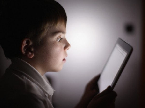 Ipad-and-kid