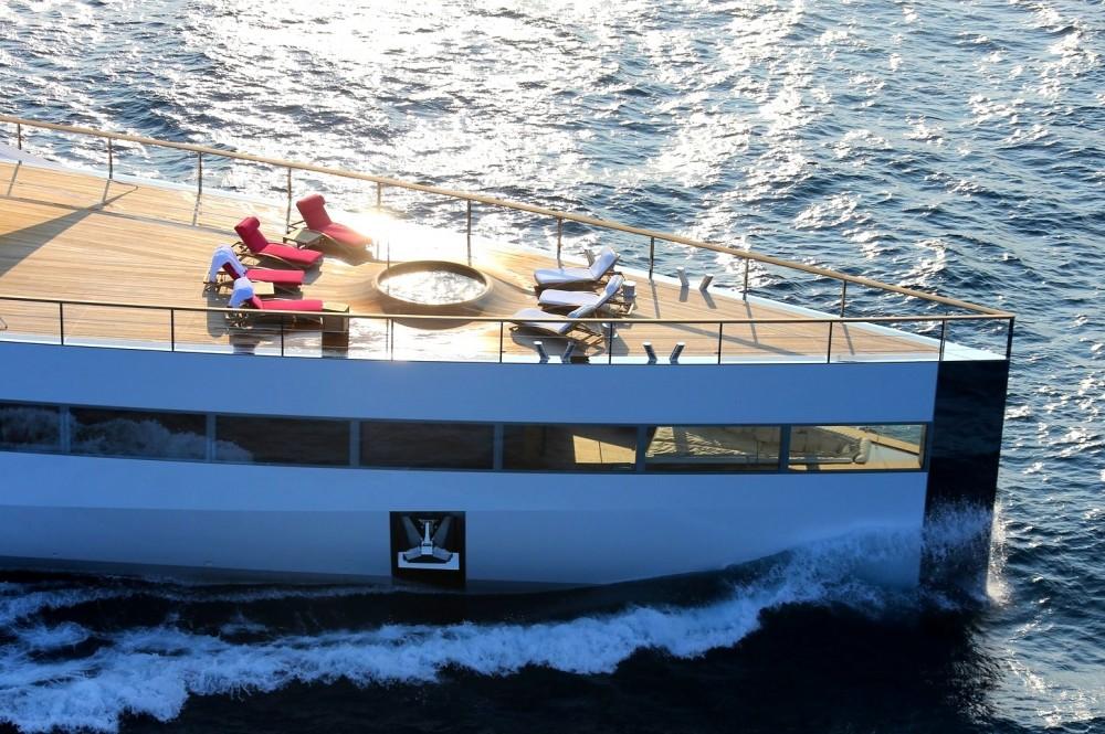 Steve-Jobs-Feadship-yacht-Venus-bow-inside-interior-bw2