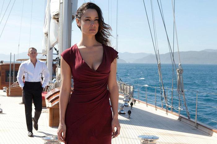 au033-regina-yacht-bond-severine