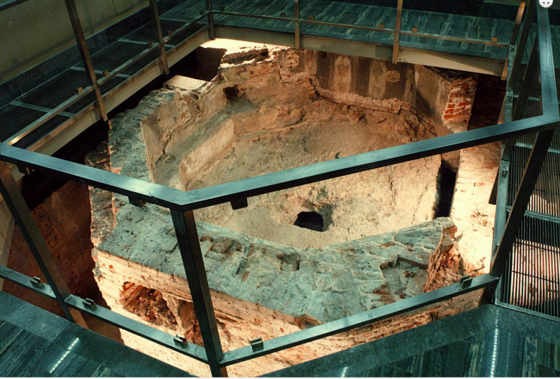 Остатки древнейшего миланского баптистерия Santo Stefano alle Fonti