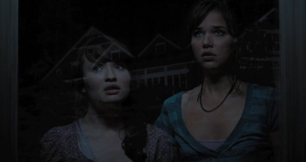 00-The_Uninvited_2009