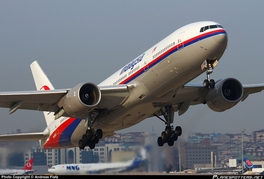 9M-MRD-Malaysia-Airlines-Boeing-777-200_PlanespottersNet_437417
