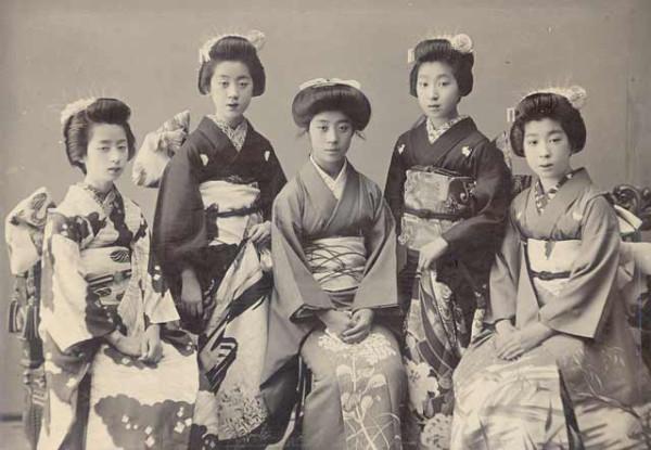 Geisha and Maiko_TanimotoY_St'900