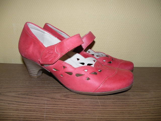 Coral-Shoes-Small