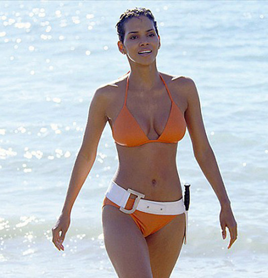 halle-berry-hourglass-shape