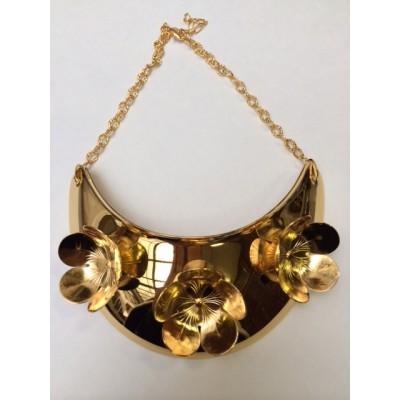 collier-plastron-3-fleurs-dore