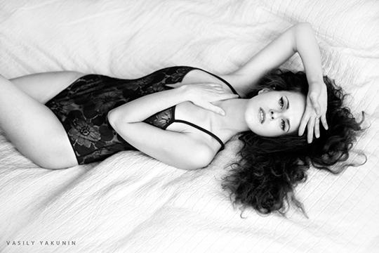 foxinvogue-etam-lace-bodysuit-sexy