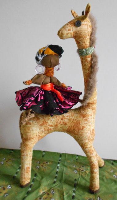 жираф-с-куклой
