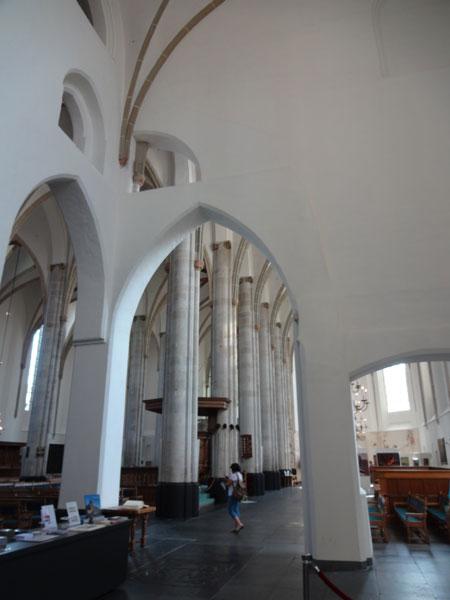 собор-интерьер-вид-из-14