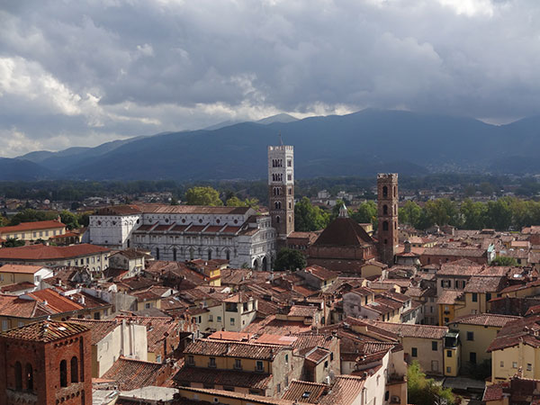 lucca0