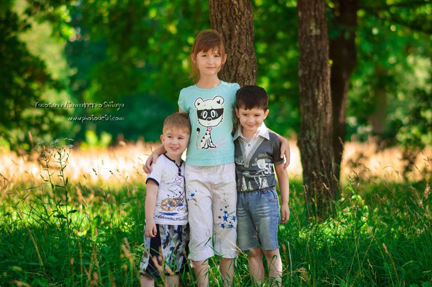 Доченька, сынок и племяш)) Все в сборе))