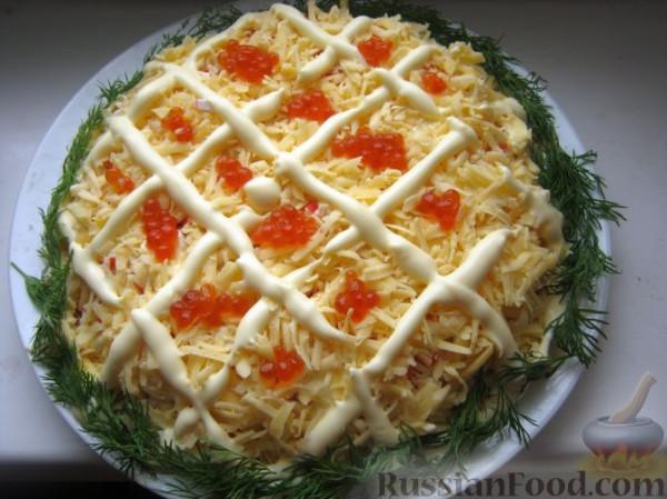 Королевский салат с кальмарами и креветками и