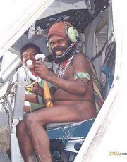 у белых людей самолеты тоже из соломы и навоза, но они ловчее притворяются