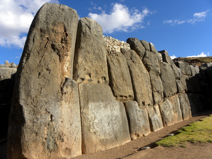 Un gran viaje a America del Sur. Перу. Саксайуамана много не бывает