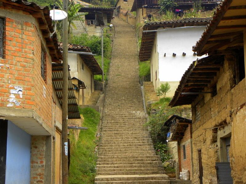 Un gran viaje a America del Sur. Перу. Амазонас. Леймебамба, дорога в Кахамарку