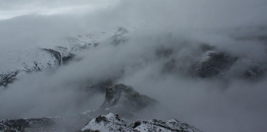 Под небом Поднебесной. Черно-белый переезд из разноцветного Цзюджайгоу в золотисто-бирюзовый Хуанлун -  — LiveJournal