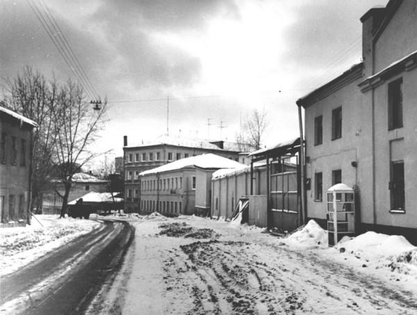 1979-1982_Суворовская улица, вид к Фигурному переулку