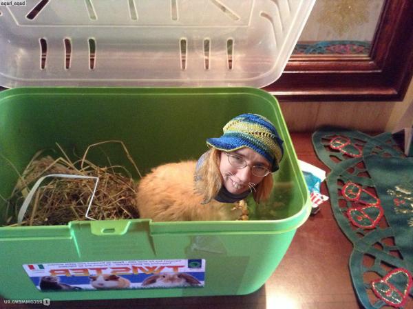 Женьку Бильченко держат в контейнере 1.png