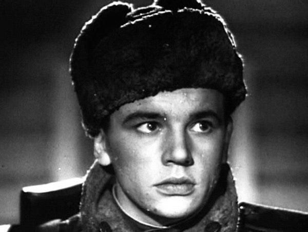 """ДЕДУШКА КАТИ ЛЫЧЕВОЙ АНАТОЛИЙ ИГНАТЬЕВ В ФИЛЬМЕ """"РЯДОВОЙ АЛЕКСАНДР МАТРОСОВ (1947)"""