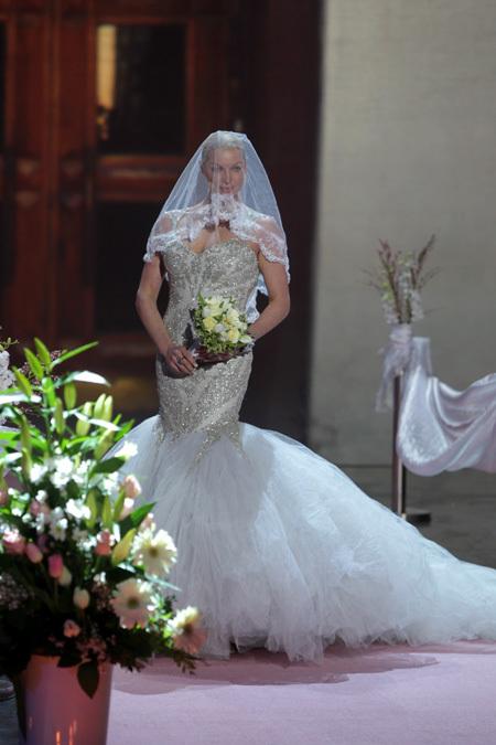 Вслед за Собчак тайно вышла замуж Волочкова!!! 157151