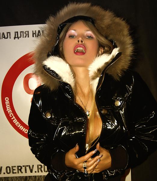 Порно журналисты певицы #9