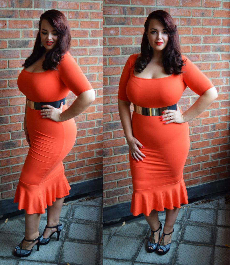 Толстушки в платьях 19 фотография