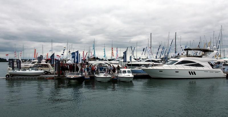 lj_GB_boatshow_2012-09-17_09