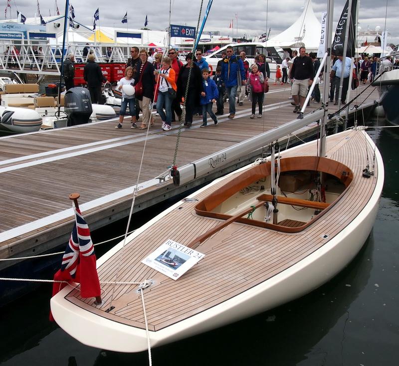lj_GB_boatshow_2012-09-17_10