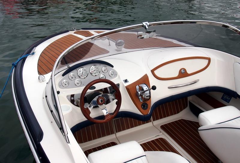lj_GB_boatshow_2012-09-17_19