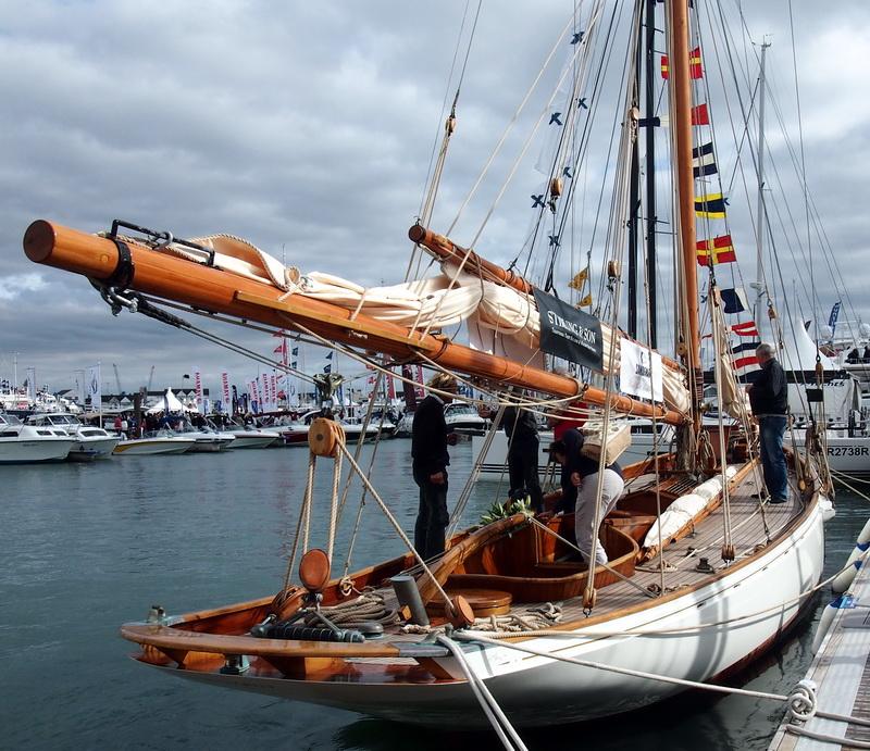 lj_GB_boatshow_2012-09-17_32