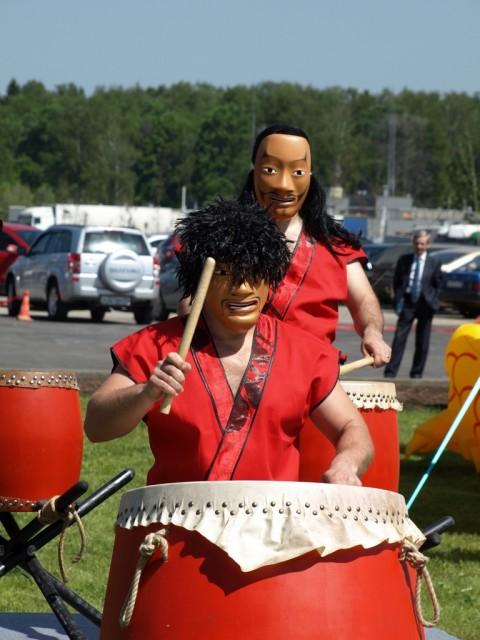 Бей в барабан!