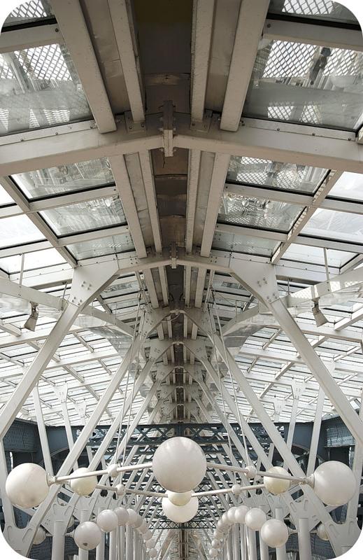 Внутренности моста