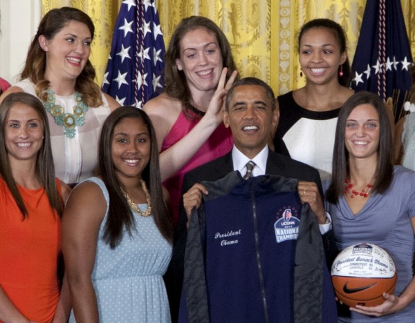 Obama-Connecticut-Basketball.JPEG-009a2-600x468