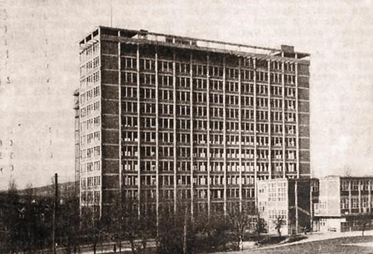 02. Baťův mrakodrap