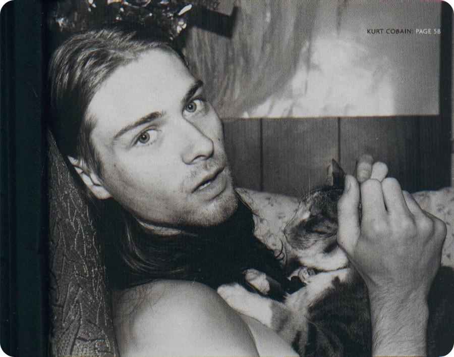 kurt_cobain_with_cat 2