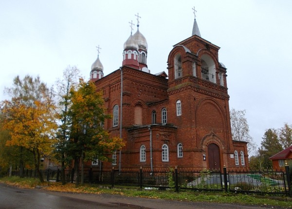 Казанская церковь в Чудове