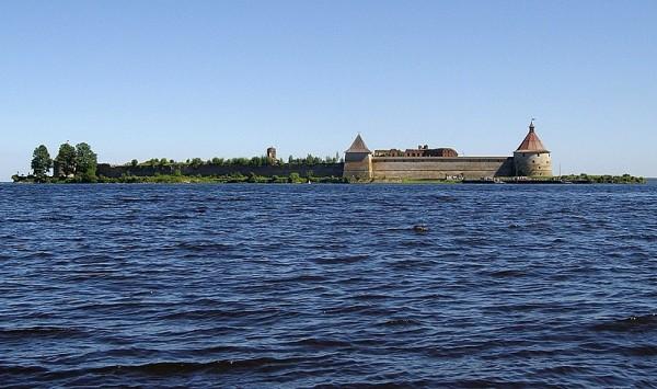 Орешек, остров и крепость
