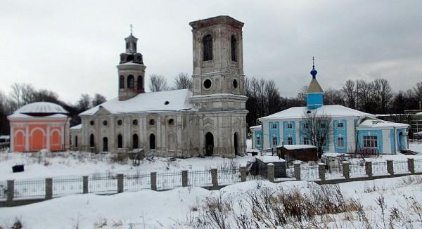 Три церкви