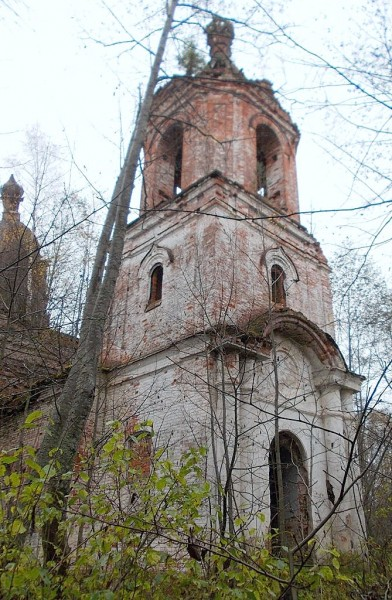 Троицкая церковь в Турнах