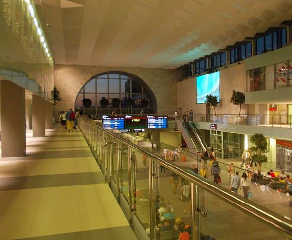 Большой зал Ленинградского вокзала