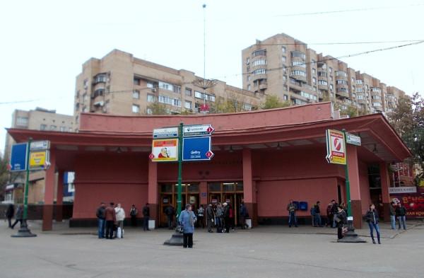 Наземный павильон //Красносельской//