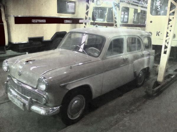 """Автомобиль """"Москвич-423"""". Модель не новая (выпускался с 1957 по 1963 гг.), но более редкая. Универсал всё-таки. Фото Zerosu."""