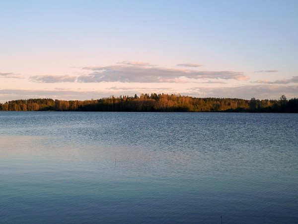 Богатырское озеро (Koverilanjärvi). Май 2017 г.