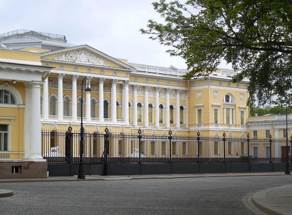 Дворец великого князя Михаила Павловича. Главное здание Русского музея императора Александра III. Ну как бы главное...