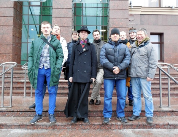 В первом ряду (слева направо): Владислав Сухецкий, Александр Хмелёв, Александр Матрюк и Динар Идрисов. СПб городской суд, 14 ноября 2017 г.