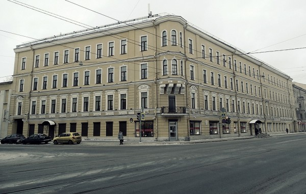 Старо-Петергофский проспект, 19/Курляндская улица, 33