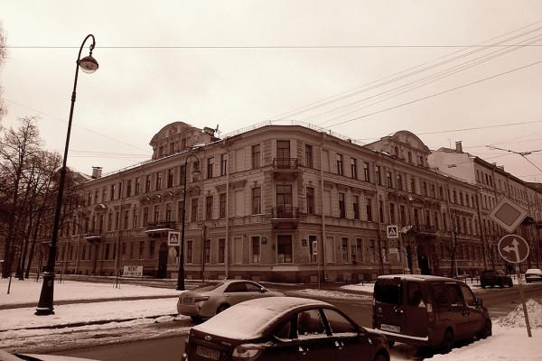Доходный дом Громова. 2-я линия, 13/Большой проспект, 6/Соловьёвский переулок (улица Репина), 14