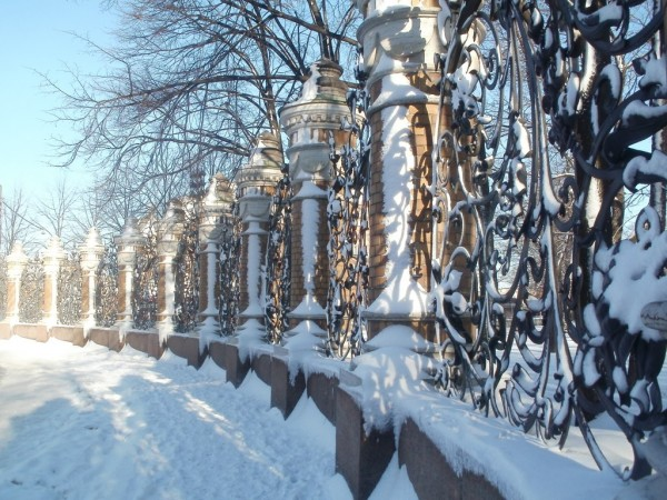 Со стороны Спаса-на-Крови. Февраль 2012 г.