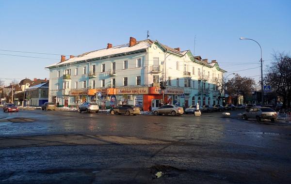 Перекрёсток Красной и Советской улиц